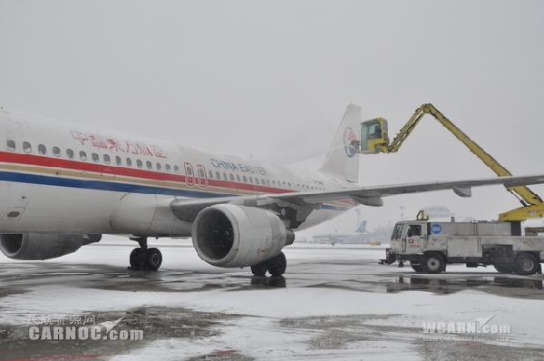 东航北京全力迎战新年第二场降雪