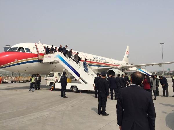 """东航西北圆满完成""""两会""""代表运输保障任务"""