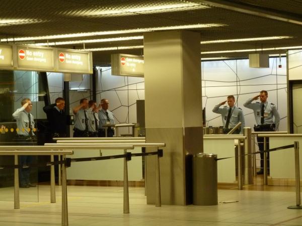 驻外手记之:机场内的纪念日