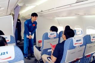 2015年5月6日由上海至北京的ARJ21-700飞机航线演示飞行。