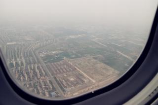 2015年5月6日由上海至北京的ARJ21-700飞机航线演示飞行。摄影:李岩