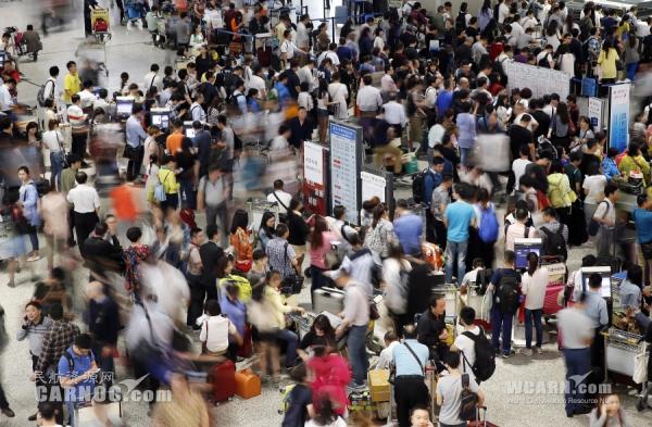 上海虹桥机场出现航班