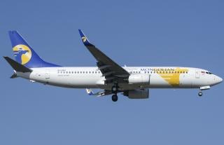 """蒙古航空公司EI-CSG号BOEING 737-800型客机。民航图库图片,摄影:民航资源网网友""""PEK_降降起降起""""。浏览作者图库原帖《[原创]【PEK】4.25 上午落01的国外货们》。"""
