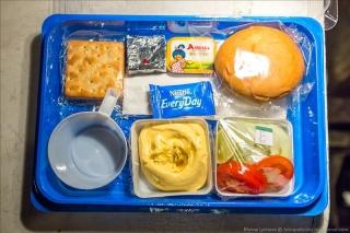 俄罗斯伊尔76机上配餐