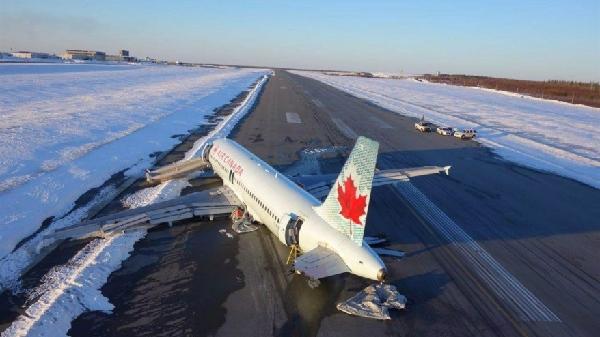 加航3月冲出跑道飞机:客舱地板从底部被刺穿
