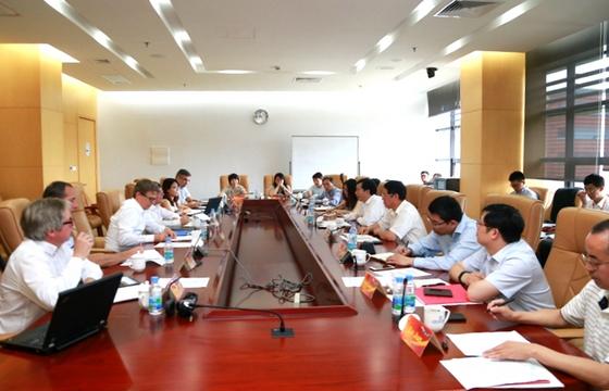 中国商飞ARJ公务机改装开球会在沪召开