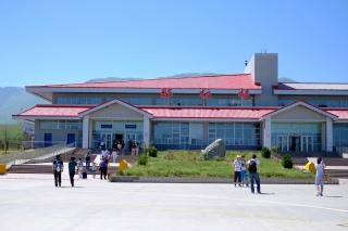 那拉提机场单月货邮吞吐量首次突破10吨