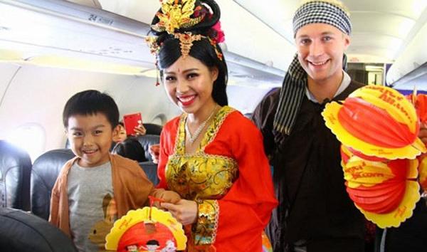 越南航空空姐将扮嫦娥 为乘客庆祝中秋节
