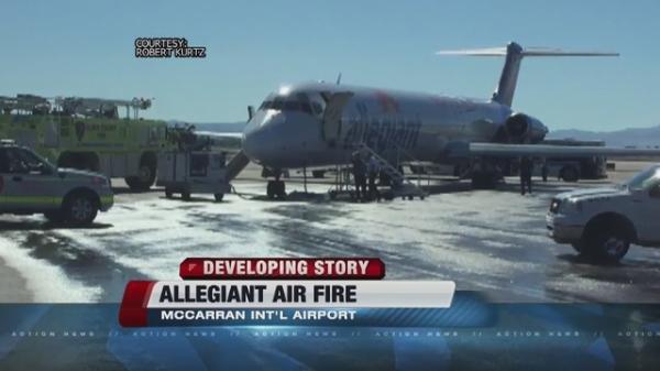 美国一客机滑跑时发动机起火中断起飞