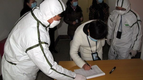 国航重庆举行航班卫生医疗应急演练