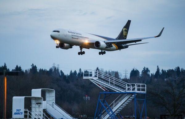 快递不给力 亚马逊自己租飞机自己干航空货运