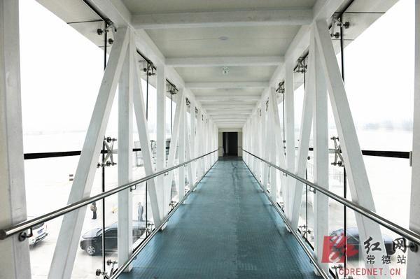 航站楼主体结构为钢筋混凝土框架结构