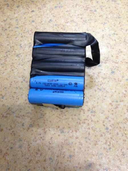阿勒泰机场查获旅客违规携带自制锂电池