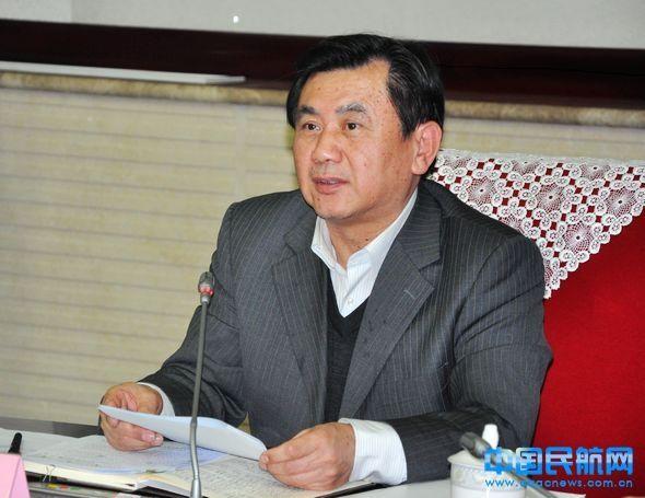 冯正霖:始终坚持三个底线 提高航空服务质量