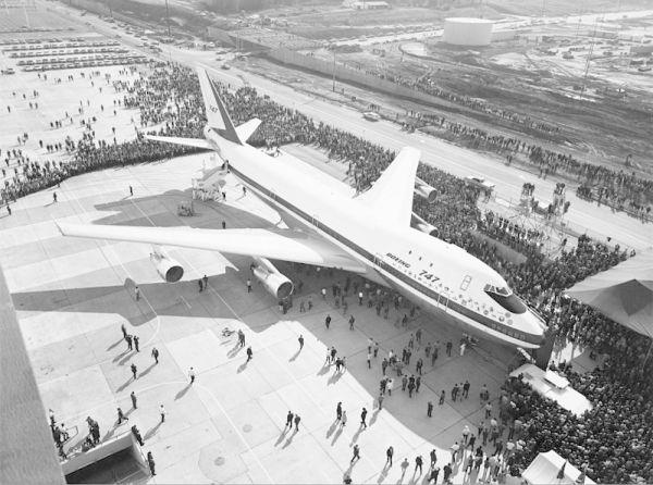 """视频:""""伐木工""""与首架波音747飞机的故事"""