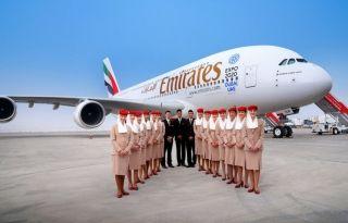 2016年巴林国际航展上阿联酋航空两舱布局的A380客机