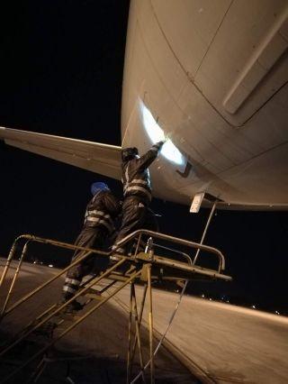 海航技术华北基地,同心协力,互帮互助,用心保障每一趟航班。 (摄影:乔辉)