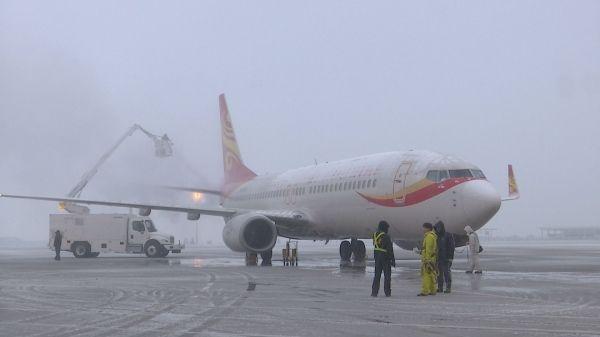 合肥迎来今年第二场雪 航班起降未受影响