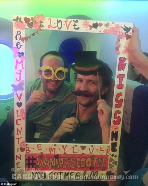 航空公司的情人节特辑:为恋人拍摄搞笑热照