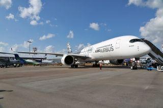 空客A350XWB客机地面展示 (摄影:沈铨)