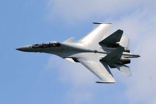 马来西亚空军苏-30MKM战斗机飞行表演 (摄影:沈铨)