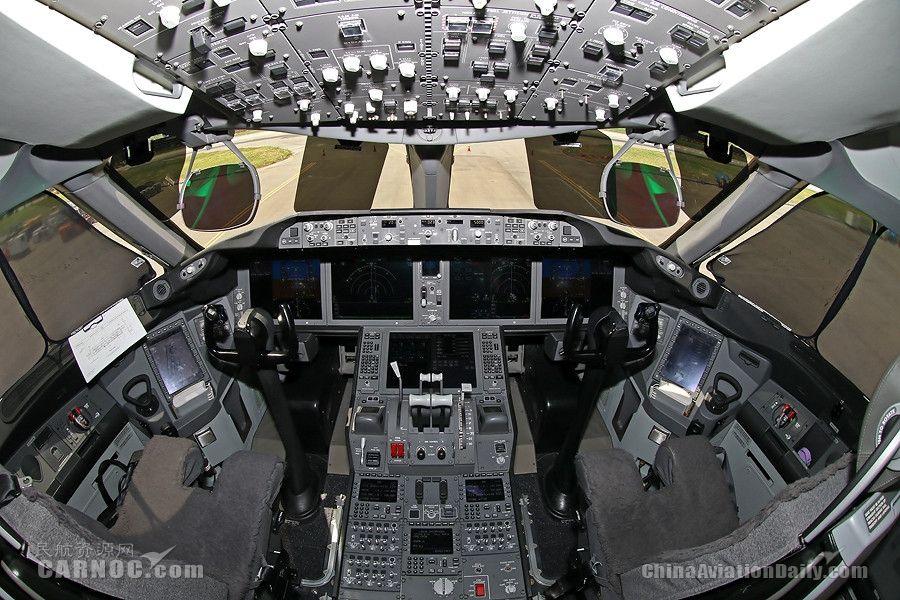 酷航波音787客机驾驶舱