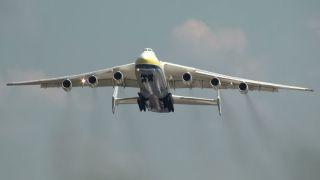 世界最大运输机大修后首次商业飞行