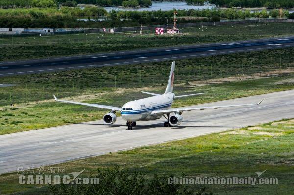 国航成都—拉萨航线安全飞行51年 载客1145万