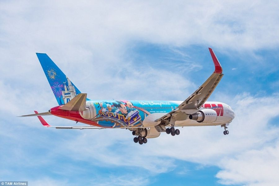 Photos New Disney Plane Comes With Mickey Mouse Meals And