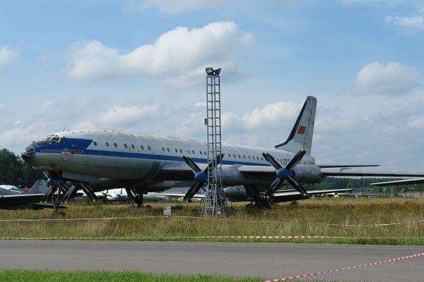 毛子天上的黑科技(三):轰炸机改的图114客机
