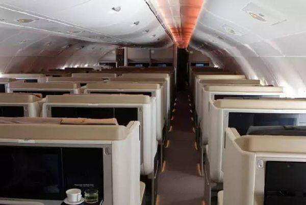 图:新加坡航空A380-800客机,商务舱-我去坐空客A380环球世界了,
