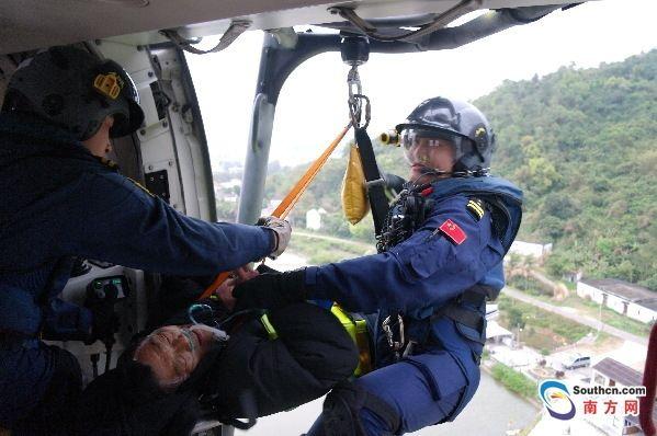 下川島七旬島民中毒昏迷 直升機緊急出動相救