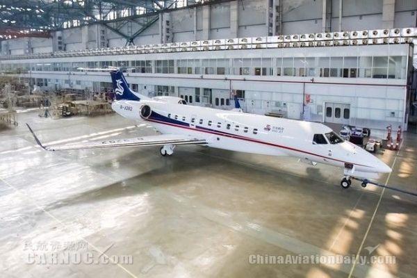 华龙航空11日于中国哈尔滨、巴西两地同时接收三架莱格赛650大型公务机。
