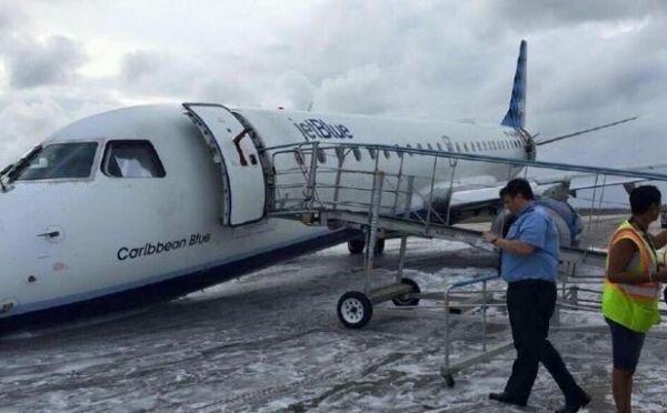 捷蓝航空客机前起落架故障 成功进行迫降