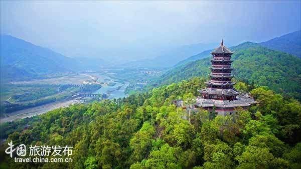 都江堰景区携手驼峰通航 发力空中体验式旅游