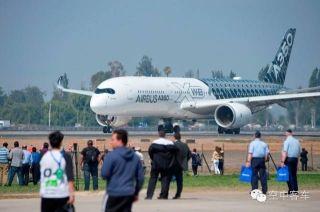 视频:智利航展空客A350飞机飞行表演
