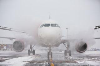 【新发现】地球越暖,坐飞机可能越危险!