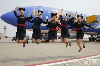 The Disney-themed plane made its first flight from Shanghai Hongqiao to Beijing on April 26. Photo from Weibo