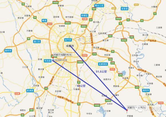 天府国际机场选址在成都东南方向的县级市简阳,与成都市中心的直线