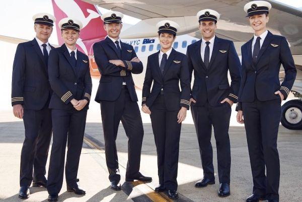 澳航公布最新飞行员制服 女飞也能美美哒!