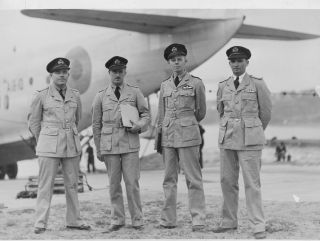 1939: The first Qantas pilots to transfer to the RAAF during World War Two.