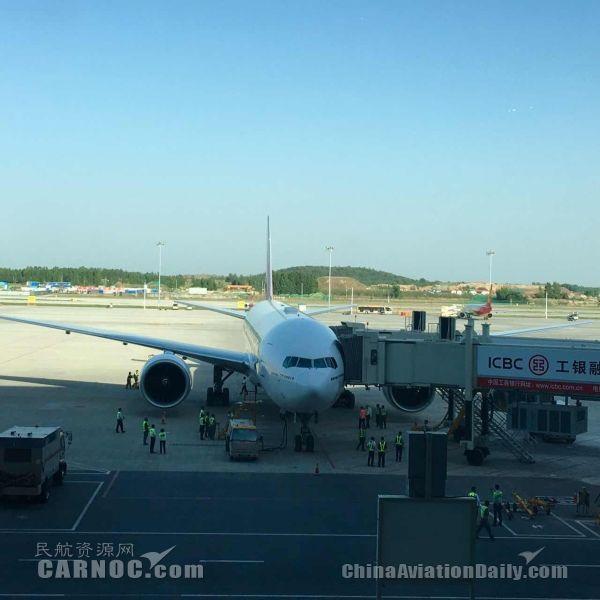阿联酋航空B777驾临郑州 郑州-银川-迪拜启航