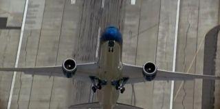 787垂直起飞视频:飞行员你之前开战斗机吗?
