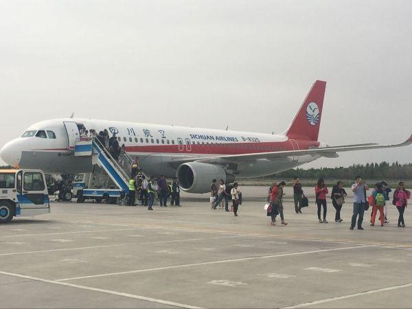 乌鲁木齐机场大风天气多架航班备降克拉玛依