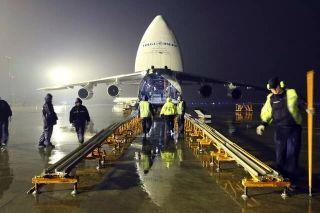 安-124起飞! 创禄口最大单件货物体积装机纪录