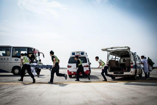 白城机场开展试飞前应急救援综合演练