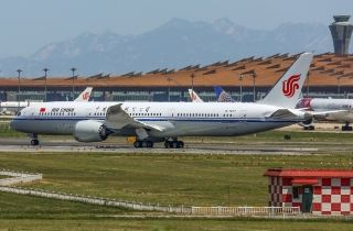 On May 26, Air China operated first 787-9 commercial flight from Beijing to Chengdu.