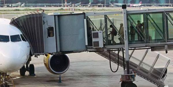法国机场大罢工 多架葡萄牙飞法国航班取消