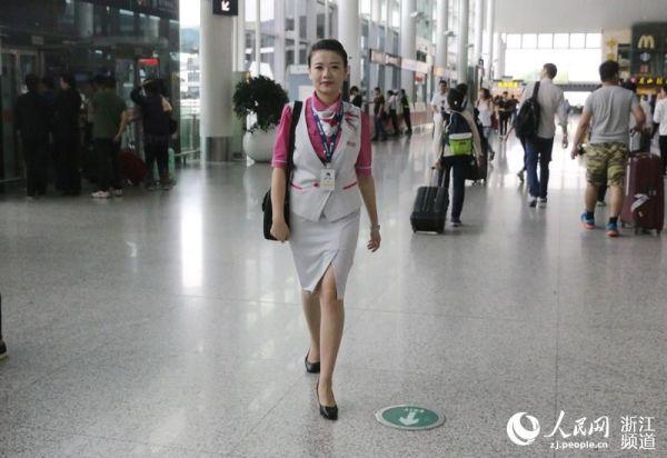 """""""G20""""剪影:忙碌在杭州机场的那抹粉色身影"""