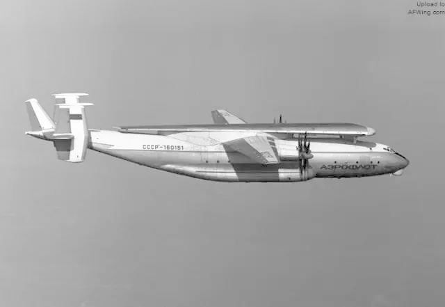 运输安-124机翼的安-22飞机-安东诺夫巨无霸 安 124鲁斯兰运输机 上图片